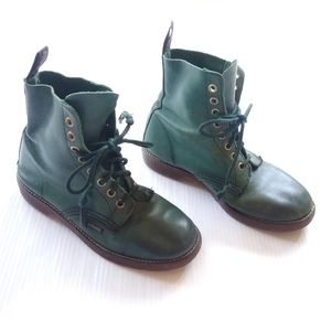 DOC MARTENS • vintage green leather boots
